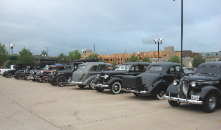 Hotel_lot_some_of_the_cars
