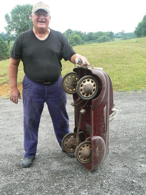 100712-Harold&hispetalcar- 009.jpg